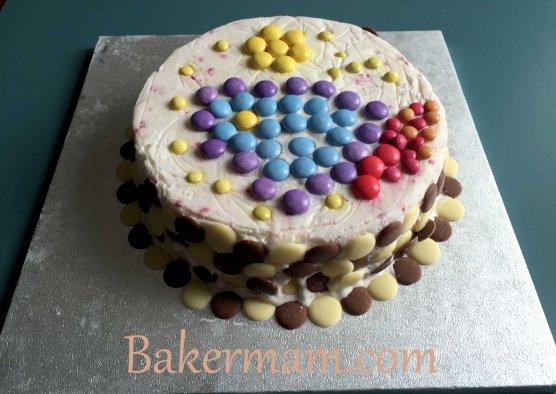 Space rocket ice-cream cake